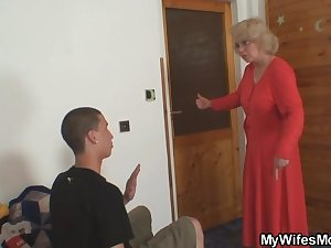 She fucks her son in law