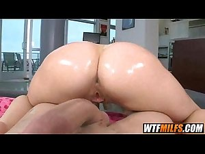 mother MILF pussy Riley Evans 5 001