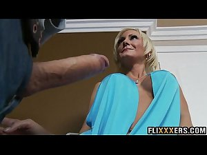 Hot mommy pussy Torrey Pines 91