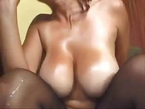milfsonly.blogspot.com-Big Tits Mom